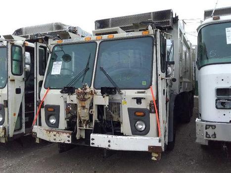 2010 Mack Leu613 (Medford, NY 11763)