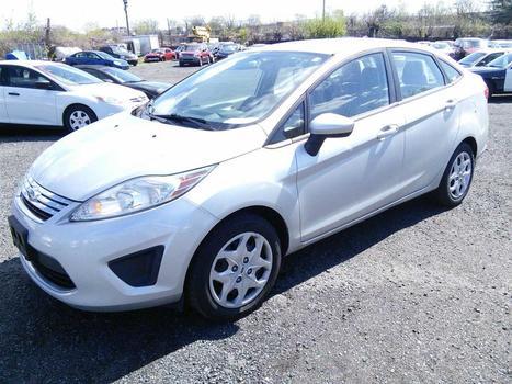 2011 Ford Fiesta (Hartford, CT 06114)