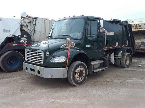 2011 Freightliner M2 106 (Medford, NY 11763)