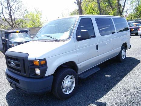 2012 Ford E-150 (Hartford, CT 06114)