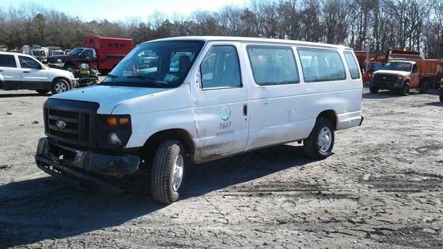 2012 Ford E350 (Medford, NY 11763)