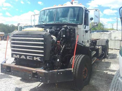 2012 Mack Gu813 (Medford, NY 11763)