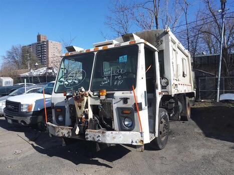 2012 Mack Leu613 (Brooklyn, NY 11214)