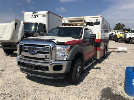 2013 Ford F450 (Medford, NY 11763)