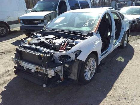 2013 Ford Fusion Hybrid (Medford, NY 11763)