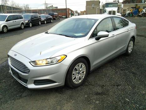 2013 Ford Fusion S (Hartford, CT 06114)