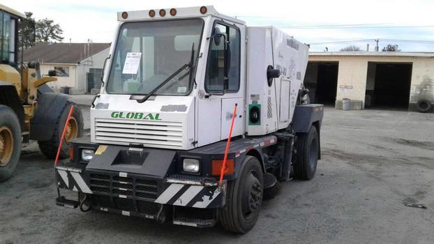 2013 Global 4000 (Medford, NY 11763)