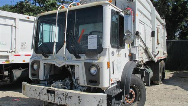 2013 Mack MRU613 (Medford, NY 11763)