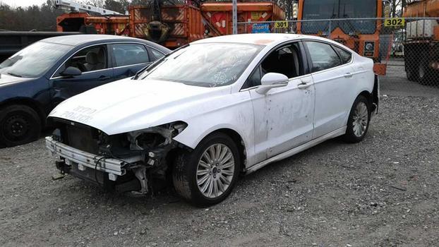 2014 Ford Fusion Hybrid (Medford, NY 11763)