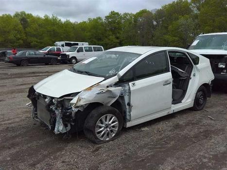2015 Toyota Prius Plugin (Medford, NY 11763)