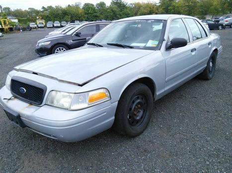 2088 Ford Crown Victoria (Hartford, CT 06114)