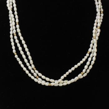 25.19g Pearl Necklace With 14kt Gold Clasp