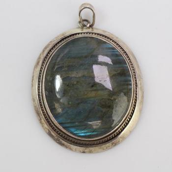 32.42g Silver Pendant With Blue Stone