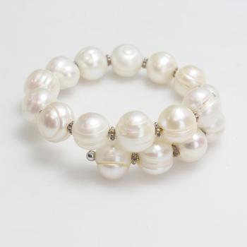 34.70g Pearl Bracelet With Sterling Silver Accents