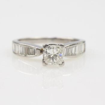 .89ct TW Diamond Platinum Ring - Evaluated By Independent Specialist