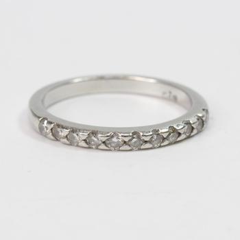 95% Platinum 3.54g Ring With Diamonds