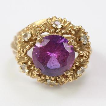 9k Gold 8.65g Ring With Purple And Clear Stones