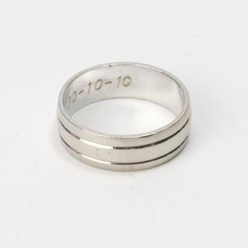 9k White Gold 5.26g Ring