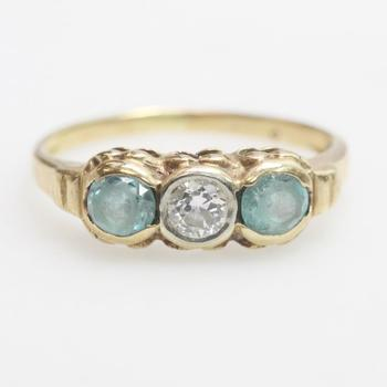 9kt Gold 1.4g Ring With Diamond And Blue Stones
