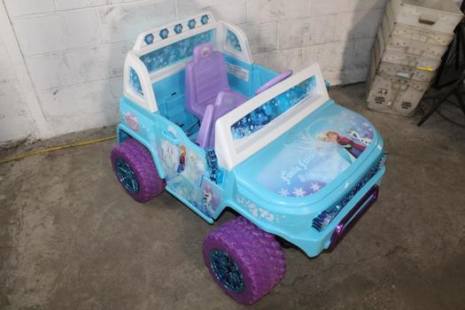 Action Wheels Frozen Themed Electric Car