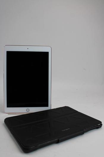 """Apple 9.7"""" IPad Pro, 32GB, Wi-Fi Only, Activation Locked, Sold For Parts"""