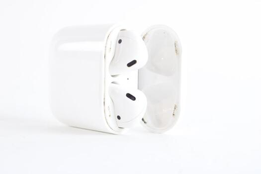 Apple Airpods With Case