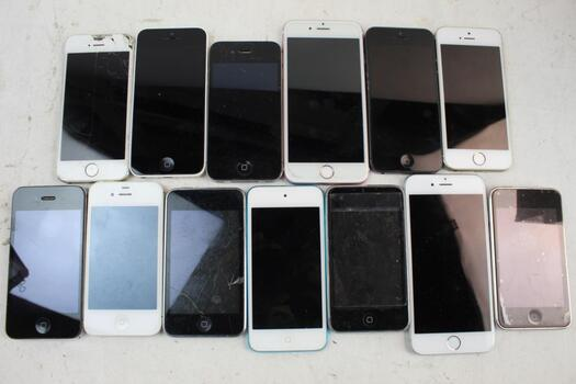 Apple IPhone Lot,13  Pieces  Sold For Parts