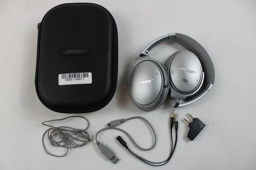 Bose QuietComfort 35 Wireless Headphones With Case, Aux, And Charger