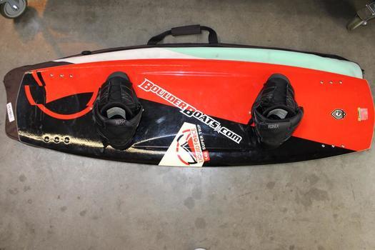 Boulder Boats Liquid Force 140 Wakeboard In Case