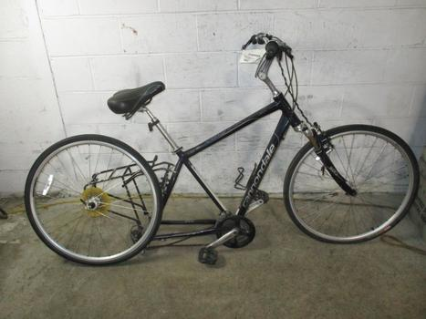 Cannondale Advenutre Hybrid Bike