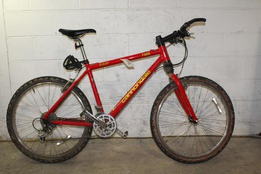 Cannondale F1000 Mountain Bike