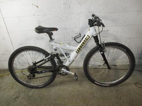 Cannondale SuperV 700 Mountain Bike