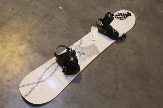 DC Snowboard With Bindings