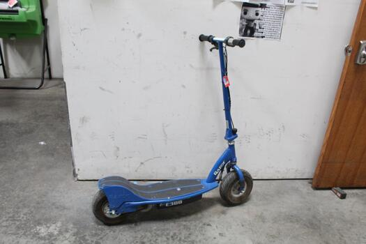 Electric Razor Scooter E300 - Blue