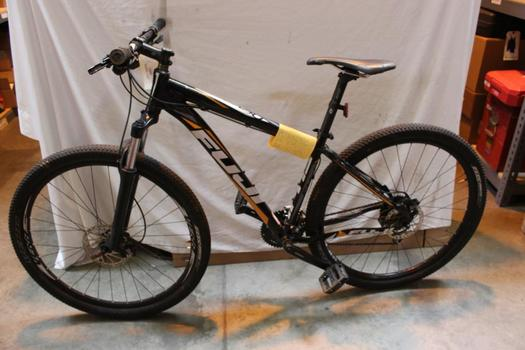 Fuji Nevada 29 Front Suspension Mountain Bike