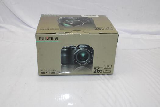 FujiFilm FinePix S4300 Digital Camera