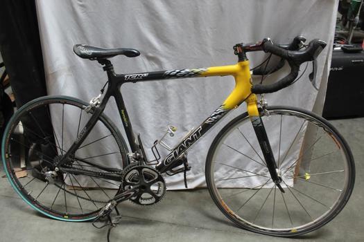 Giant Carbon Road Bike