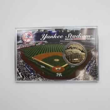 Highland Mint New York Yankees Stadium Medallion