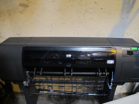 HP DesignJet 4000 Large Format Printer