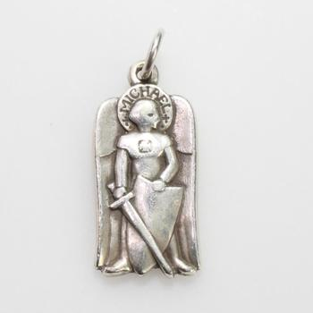 James Avery 4.31g Sterling Silver Religious Pendant