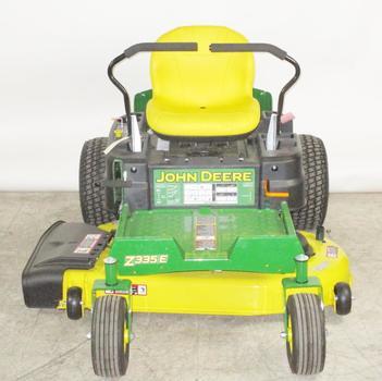 John Deere Zero Turn Lawn Mower