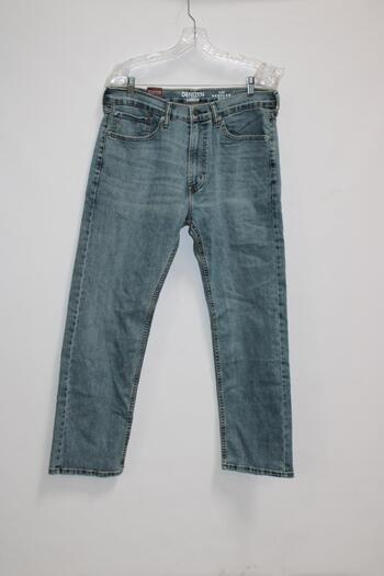 Levi Regular Fit Blue Jeans Size 34X30 With Gilette Fusion5 Shaving Razor