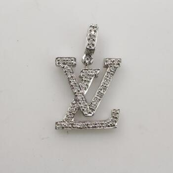 Louis Vuitton 18k White Gold Diamond Idylle Blossom Pendant