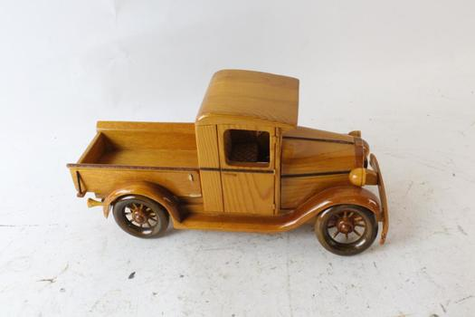 Luis R. Ponce Wooden Car