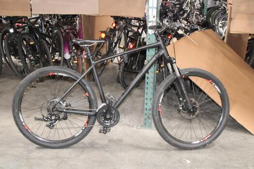 Matt Black Giant Mountain Bike