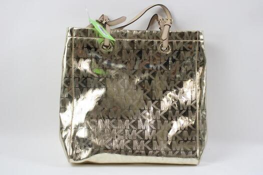 Michael Kors Signature Jet Set Chain Tote Bag