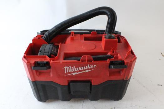 Milwaukee 2 Gallon Wet/Dry Vacuum
