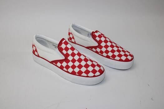 Mudd Women's Red And White Checkered Skate Shoes Size 8.5