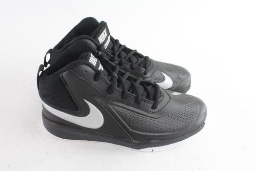 Nike Team Hustle D 7 Kids Shoes, Size 6Y