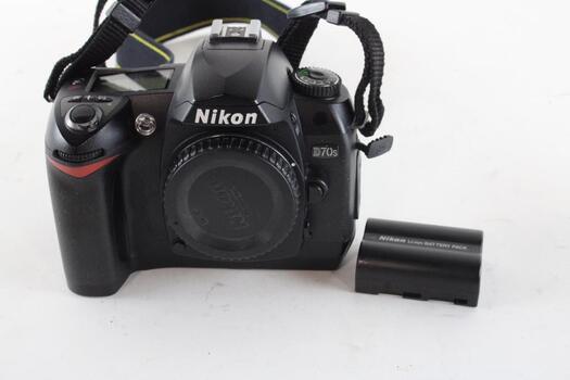 Nikon D70s Digital SLR Camera